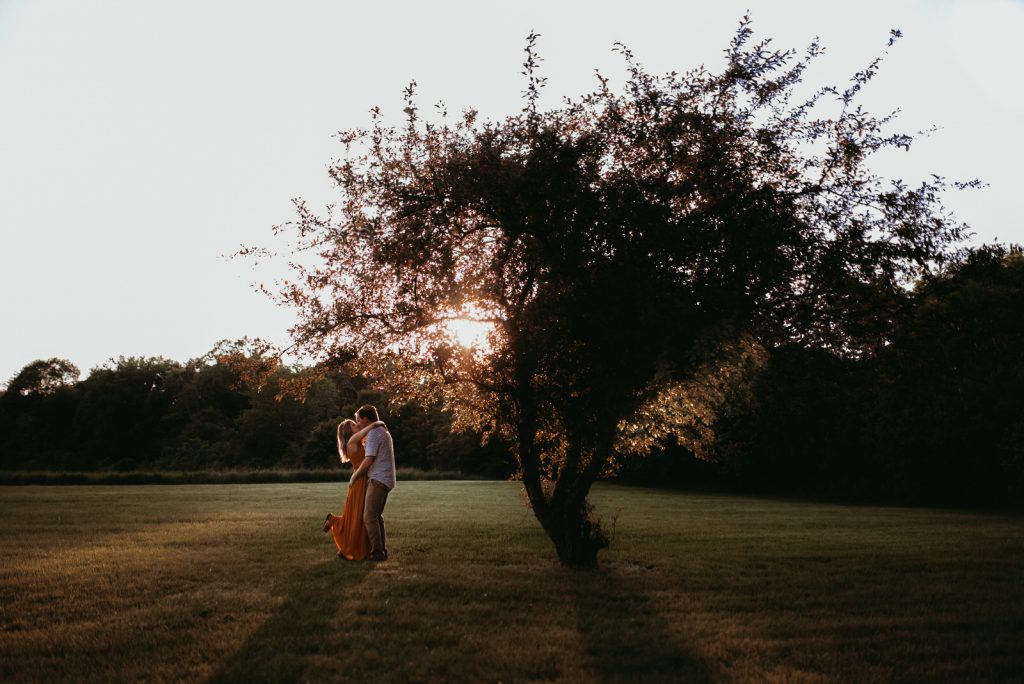Wedding photography at Creek Bend Nature Center at LeRoy Oakes Forest Preserve in Saint Charles