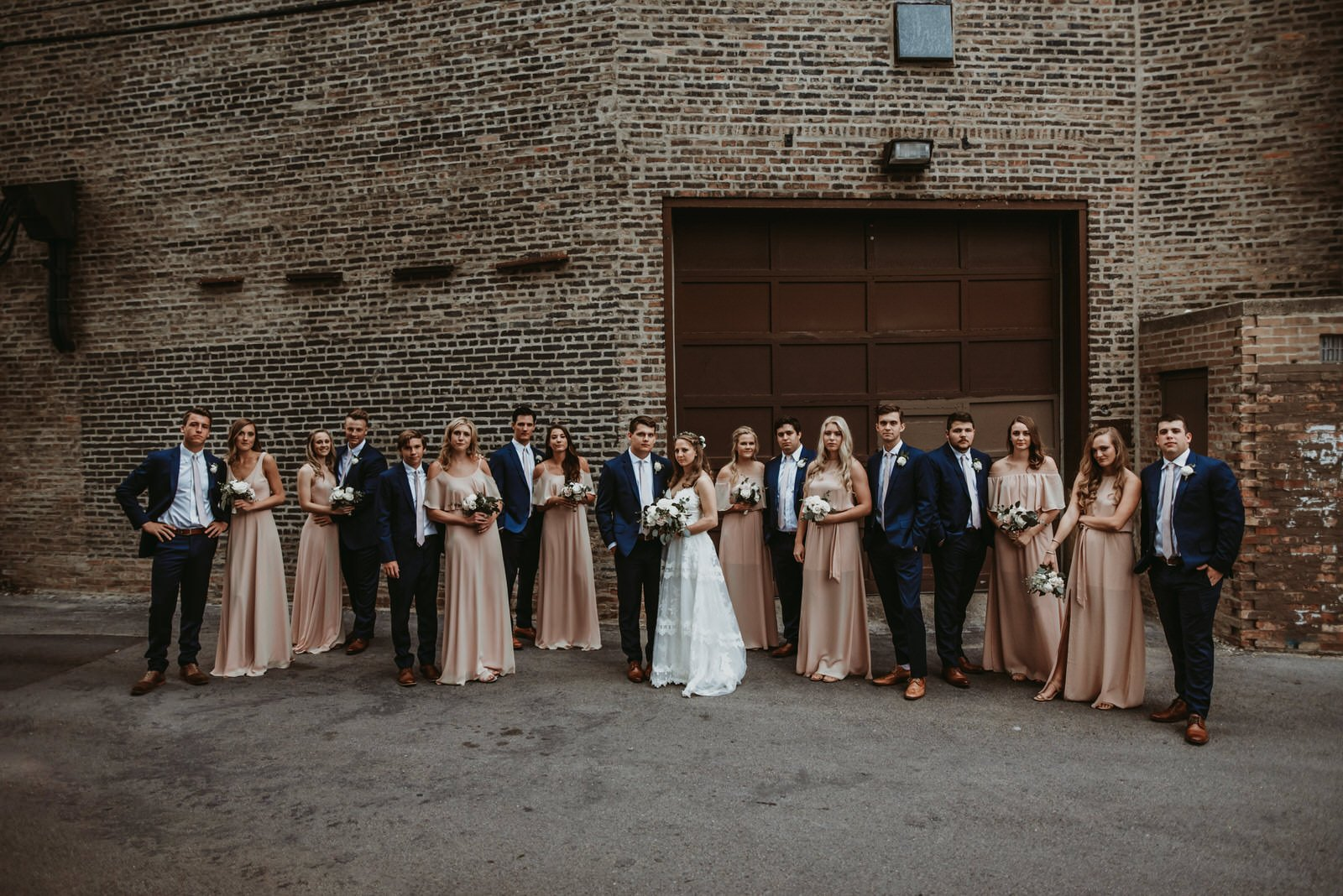large wedding party chicago wedding photographer