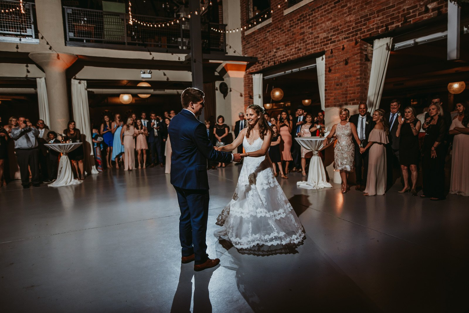 Architectural artifacts wedding photography, first dance