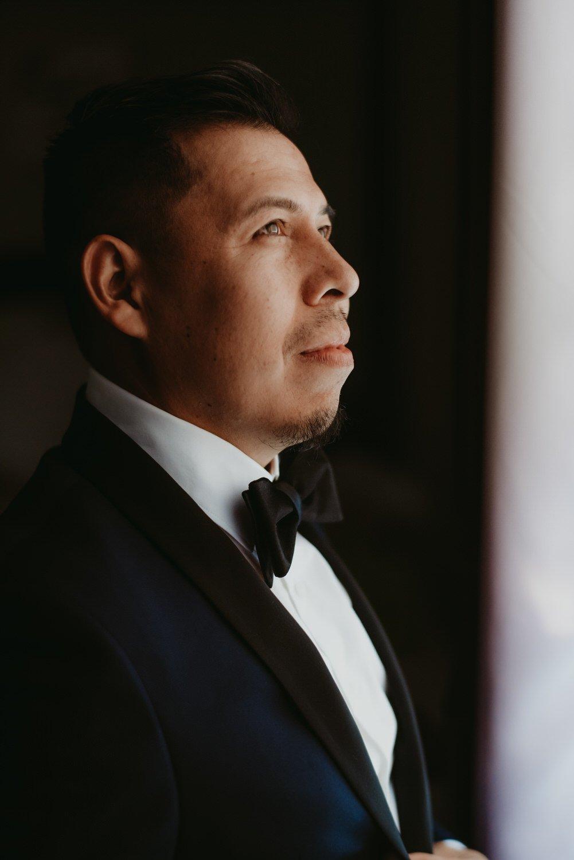 Chicago vow renewal, Chicago groom, The Adamkovi