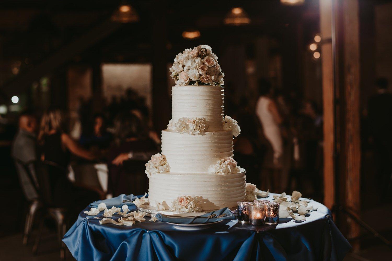 Chicago vow renewal, Wedding cake chicago, The Adamkovi