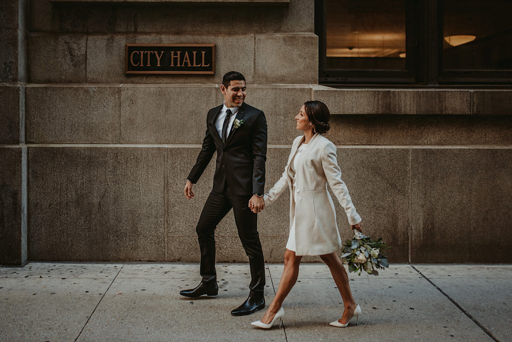 dowtown Chicago elopement wedding photography. The Adamkovi. city hall. the daley center