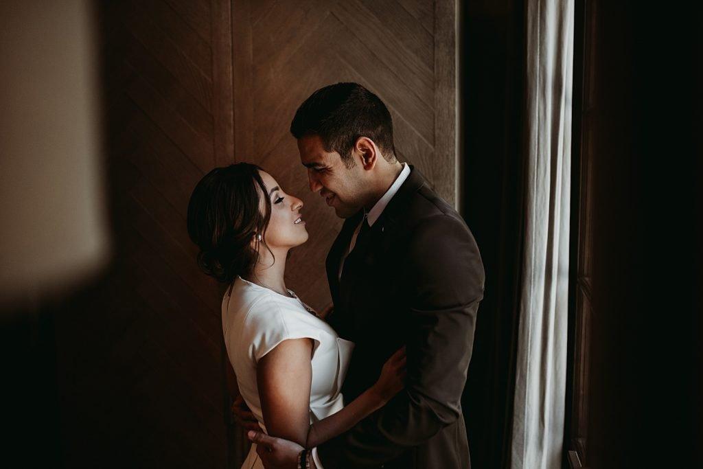 dowtown Chicago elopement wedding photography. The Adamkovi. three arts cafe