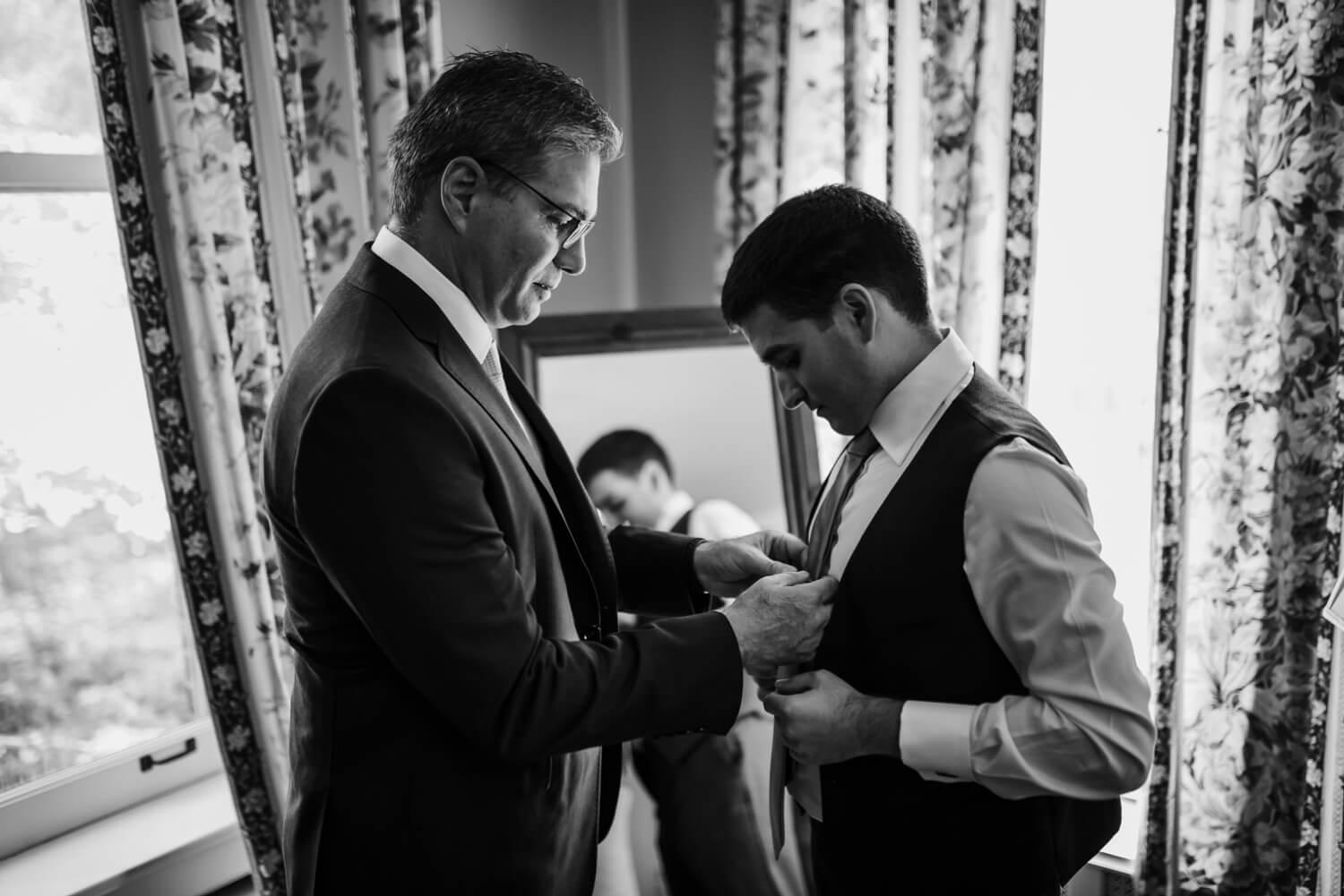 Father helping groom with a tie, The Women's Club of Evanston Wedding Photographer - The Adamkovi, Chicago wedding Photographer