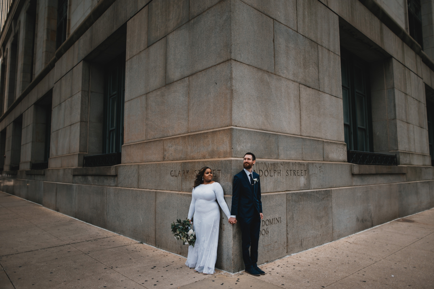 Chicago Elopement photographer - The Adamkovi, bride and groom in the city, photo on a corner