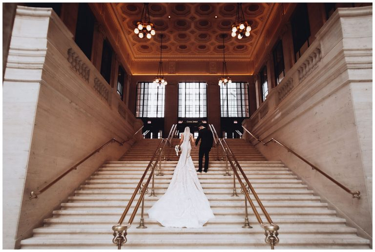 bride and groom photo session at the Union Station - The Adamkovi photography
