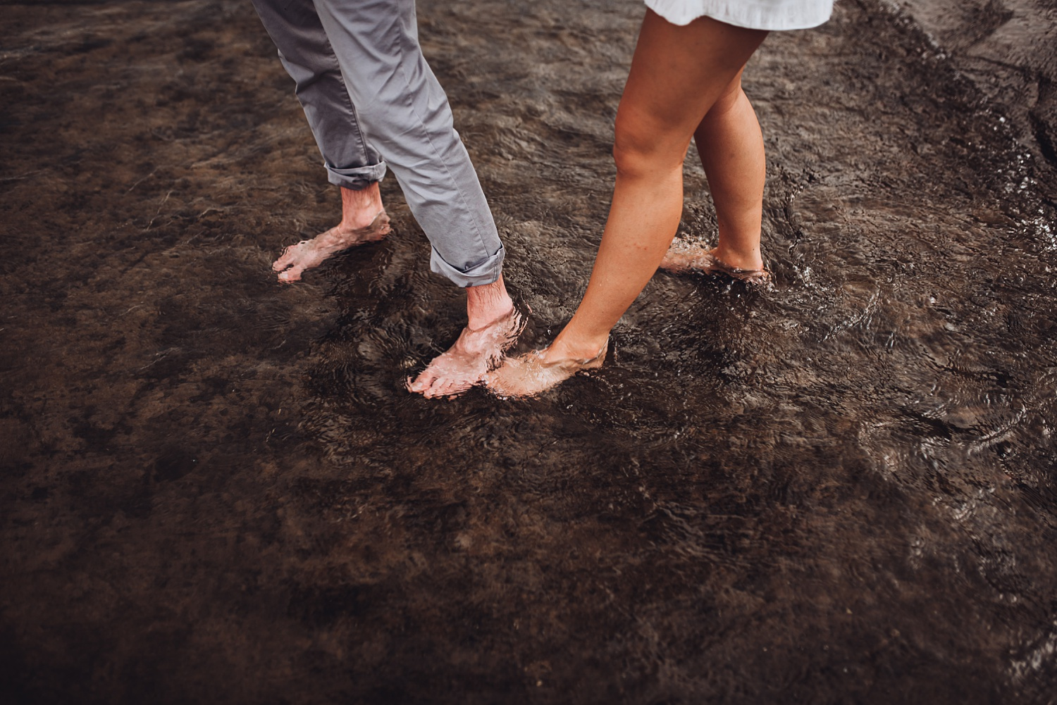 North Avenue Chicago Engagement - The Adamkovi, feet in water