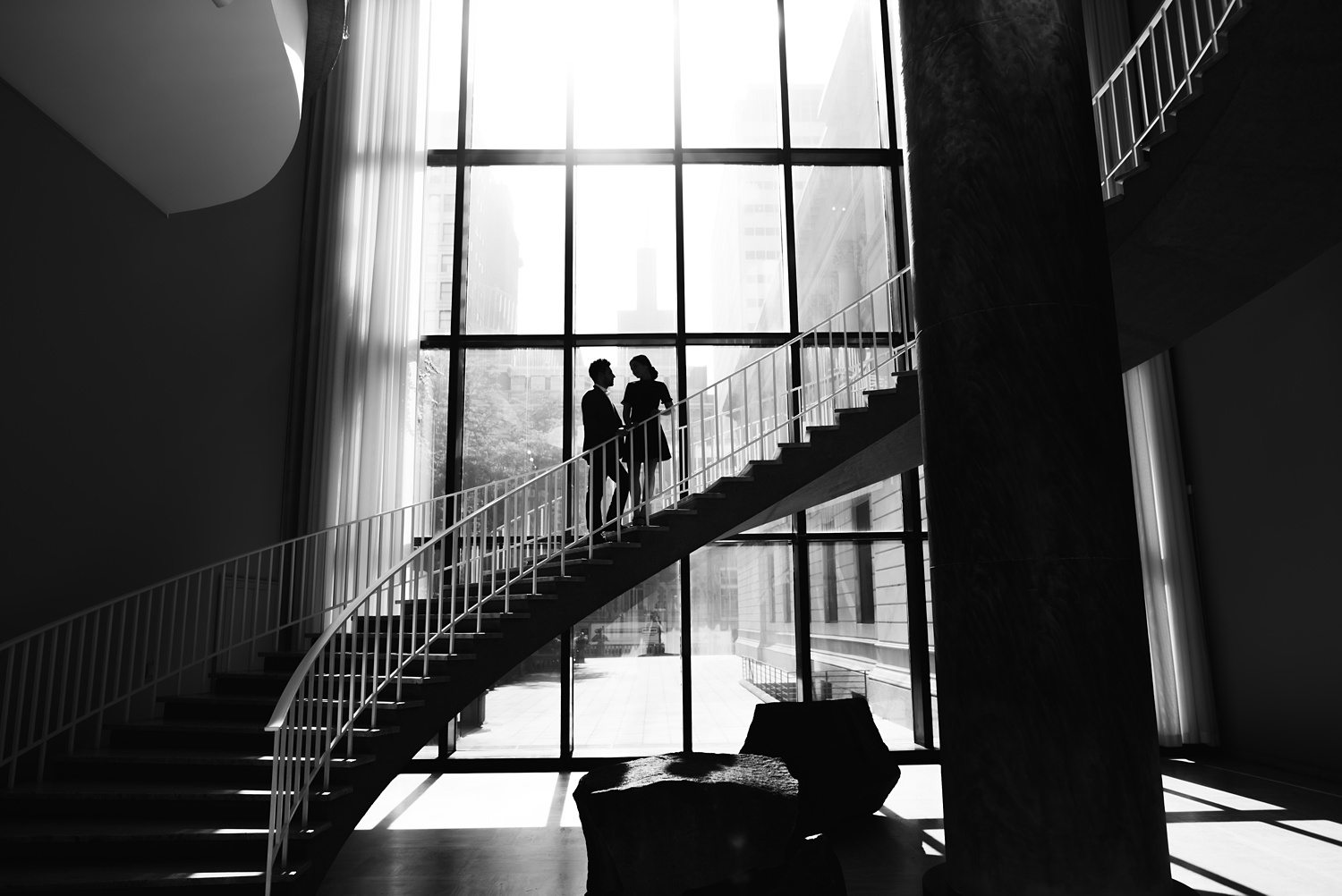Art Institute Chicago Engagement session - The Adamkovi, staircase