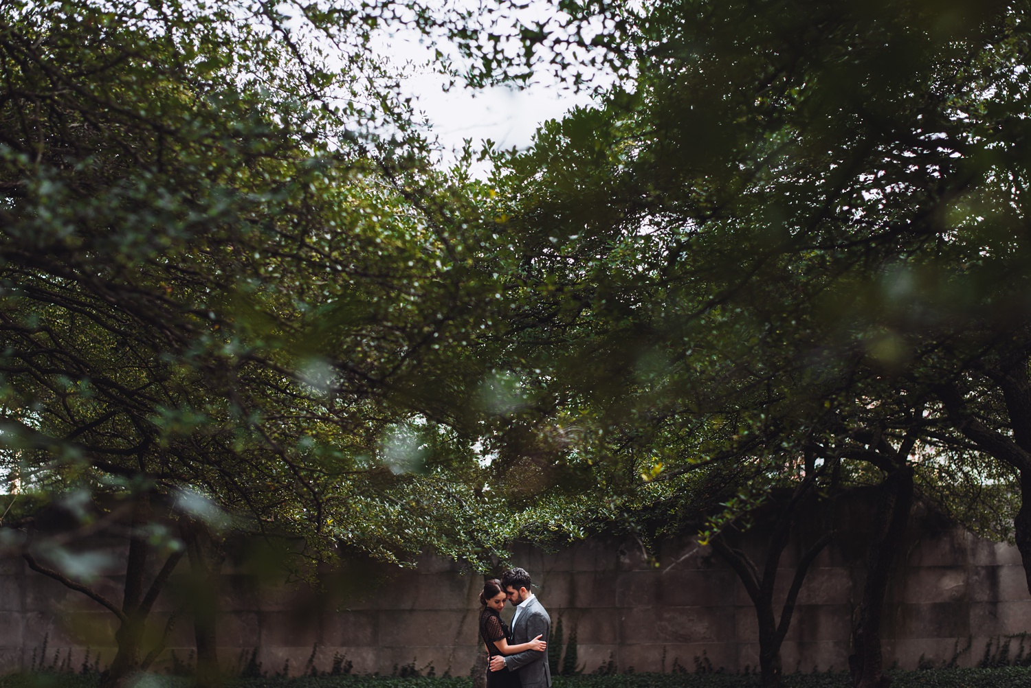 Art Institute Chicago Engagement session - The Adamkovi, South Garden