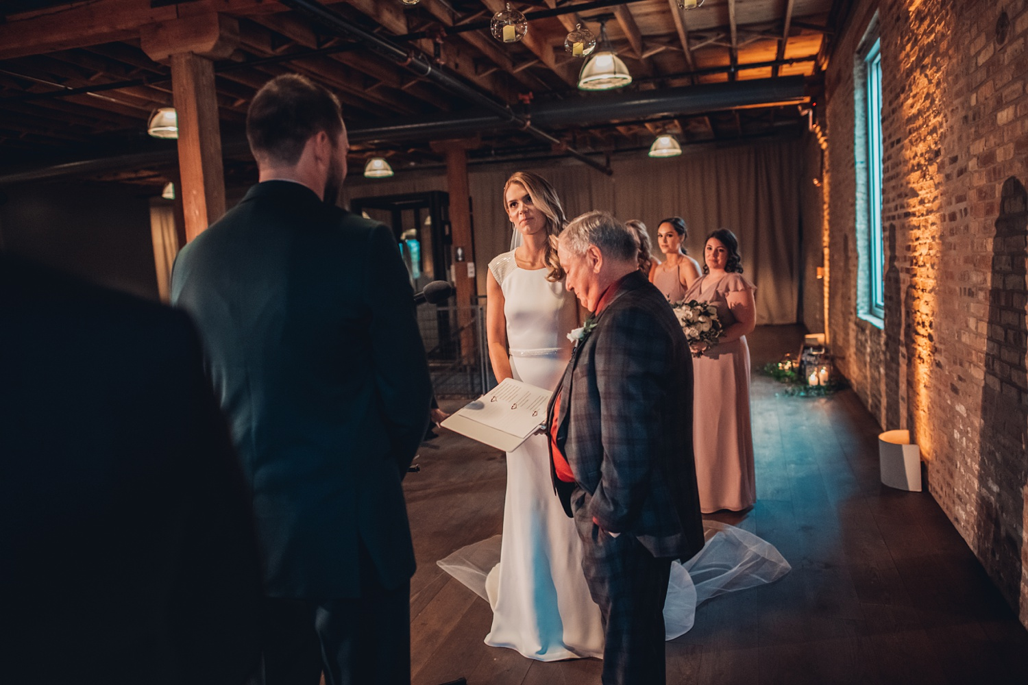 Artifact Events Fall Chicago Wedding - The Adamkovi