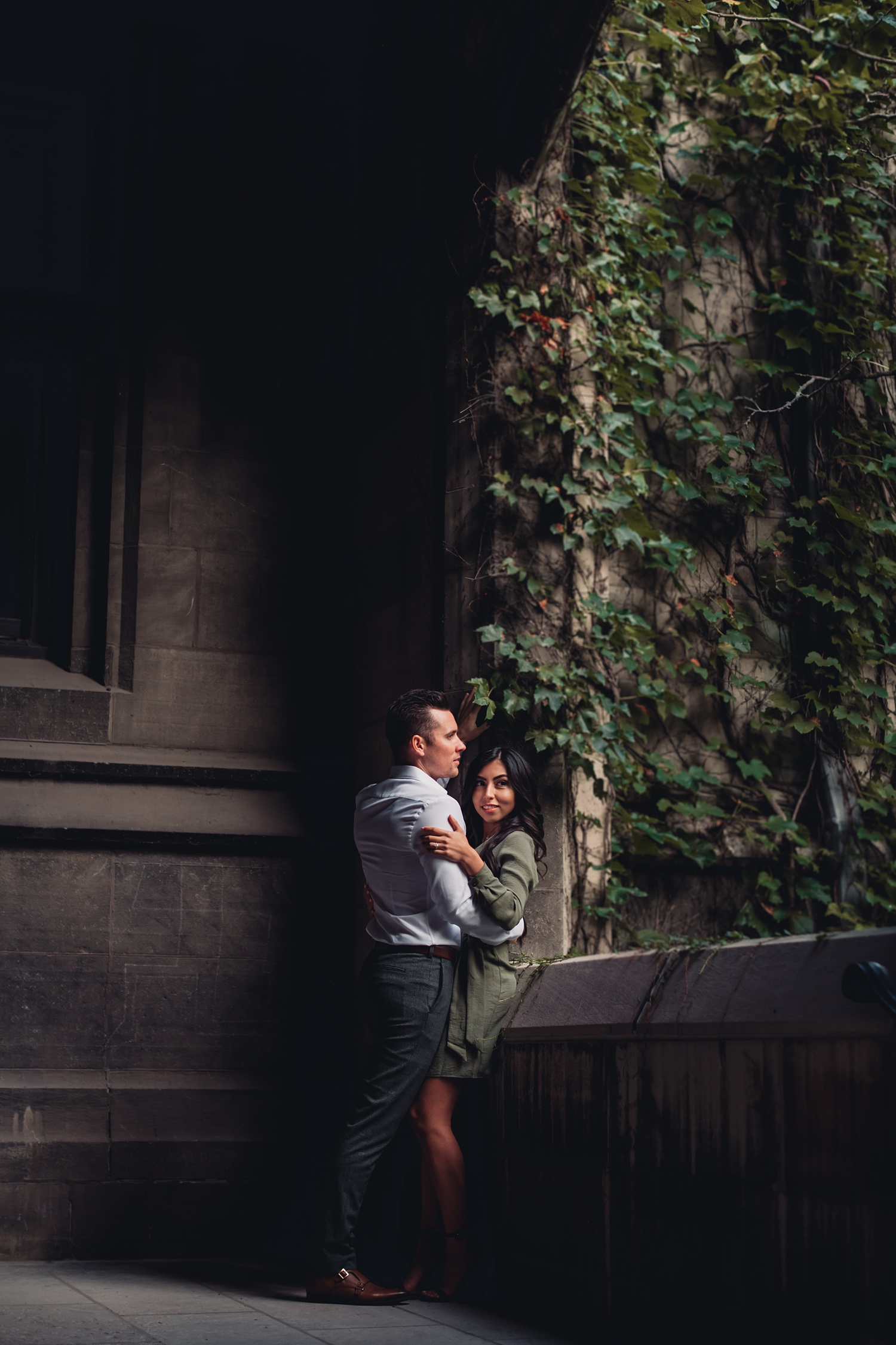 University of Chicago Engagement - The Adamkovi, photo session