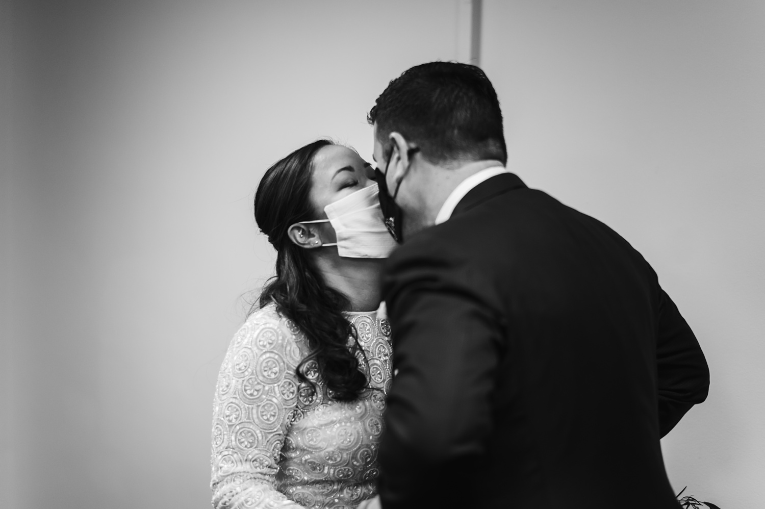 Chicago Courthouse Elopement wedding - The Adamkovi, Covid-19, coronavirus, with masks on